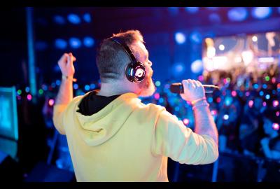 Silent Karaoke vs Silent Disco At The Isle Of Wight Festival